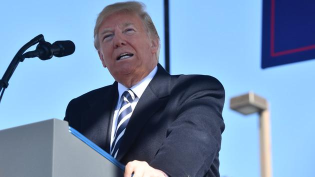 Извинился за ракетные испытания: Трамп рассказал о письме от Ким Чен Ына