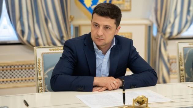 Украина упростит получение разрешений для поездок в Крым - Зеленский