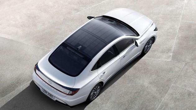 Hyundai показала электрокар с солнечными батареями