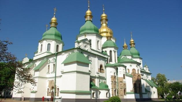 В Киеве реставраторы отремонтировали крышу Софийского собора (фото)