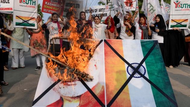 Пакистан может перебросить на границу с Индией войска