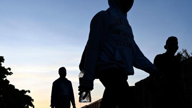 В США суд разрешил властям ужесточить правила предоставления убежища мигрантам