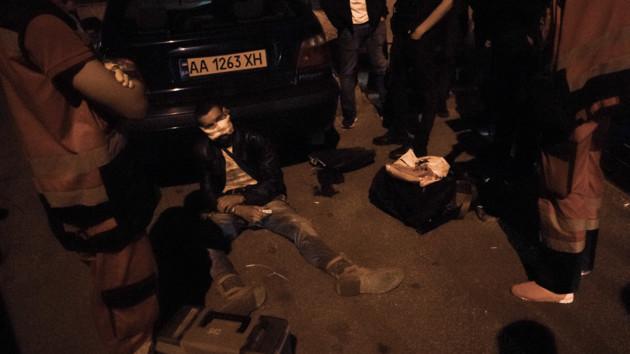 В Киеве подстрелили вора: мужчина пытался обокрасть офис депутата (фото и видео)