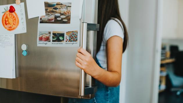 Как в летнюю жару пользоваться холодильником и экономить электричество: советы экспертов