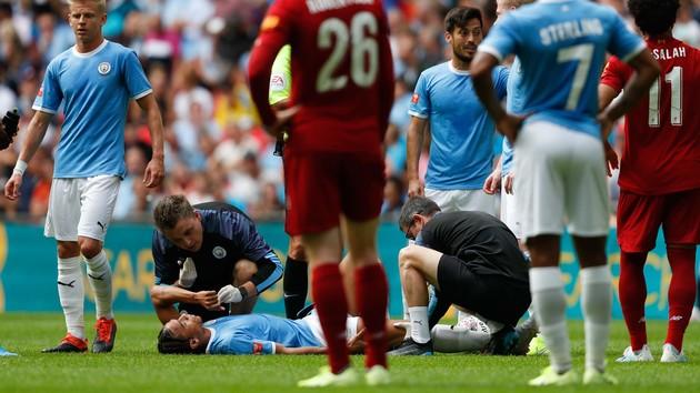 Одноклубник Зинченко получил тяжелую травму, пока украинец завоевывал Суперкубок Англии