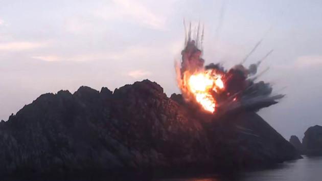 Южная Корея потребовала от КНДР прекратить ракетные пуски