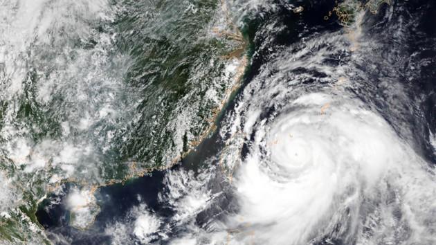 В Китае бушует тайфун «Лекима»: жертвами стихии стали 13 человек