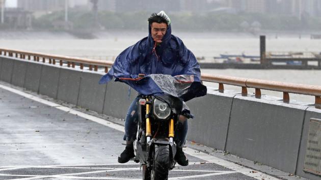 Новый тайфун надвигается на Японию