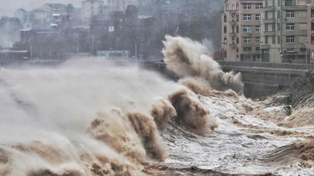 В Китае возросло число жертв тайфуна «Лекима»