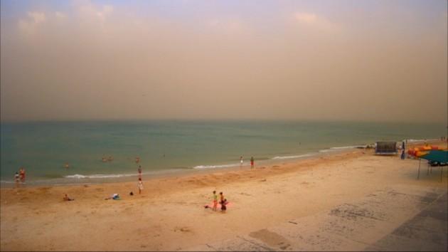Известный украинский курорт накрыла песчаная буря: появились фото и видео