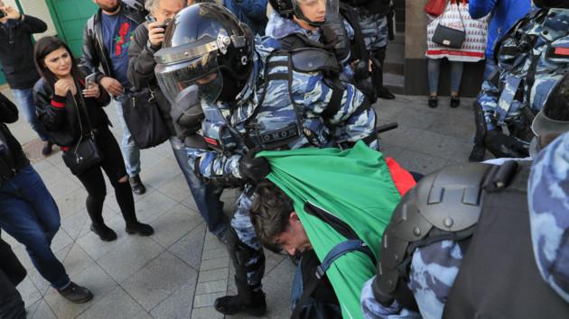 В России начались массовые задержания протестующих: видео, фото