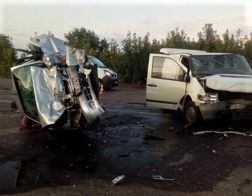 В смертельном ДТП в Сумской области погибла целая семья