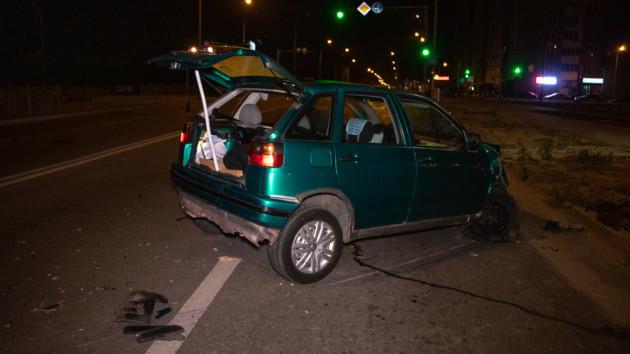 В Киеве водитель легковушки устроил ДТП и пытался скрыться от полиции