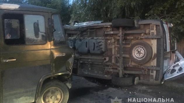 В Днепре столкнулись грузовик и карета скорой помощи: пострадали пять человек