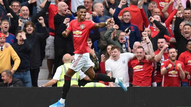 """Как прошел футбольный уикенд в Европе: клубы из Манчестера громят соперников, """"ПСЖ"""" справляется и без Неймара"""