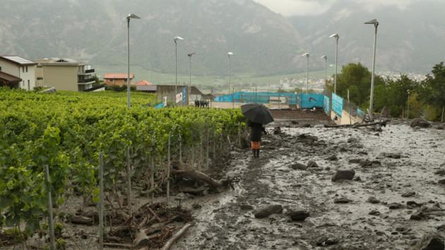 На поселок в Швейцарии обрушился сель, есть пропавшие без вести