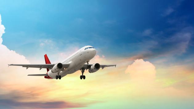 Мужчина стал единственным пассажиром в самолете: видео