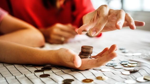 Украинских школьников будут учить финансовой грамотности