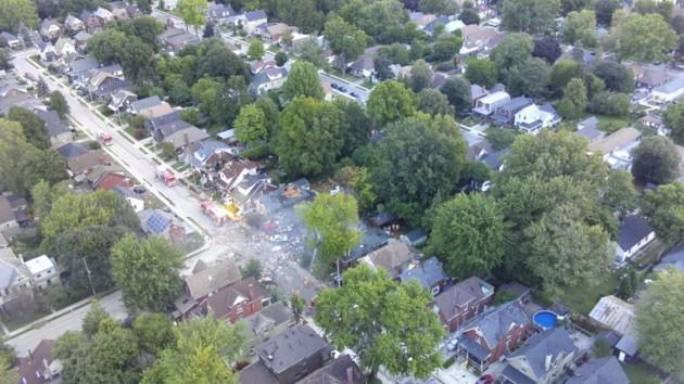 В канадском городе пожар охватил целый квартал после взрыва газа