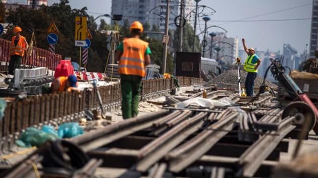 В Киеве показали, как ремонтируют Борщаговский путепровод – фото