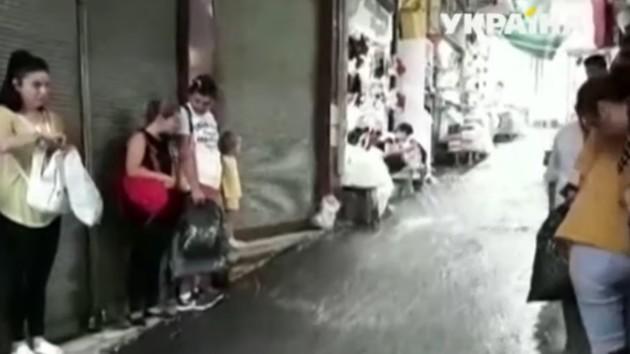 Стамбул затопил мощный ливень: есть жертвы