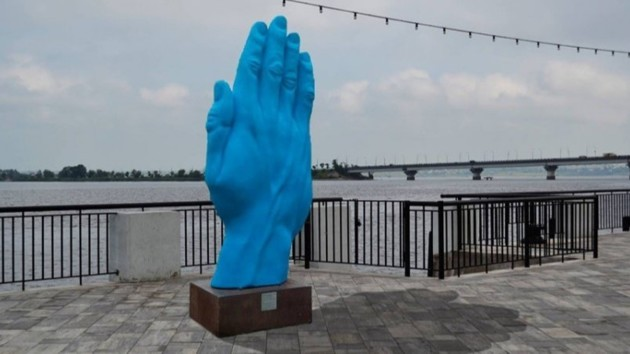 """""""Синяя рука"""" из Киева переехала в Николаев"""