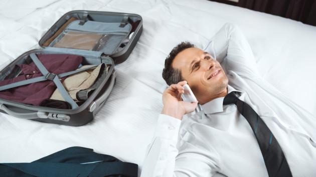 Какие вещи туристы чаще всего забывают в отеле: как вернуть пропажу