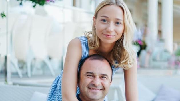 """""""Надеюсь, это скоро произойдет"""": Виктор Павлик о свадьбе с 25-летней возлюбленной"""