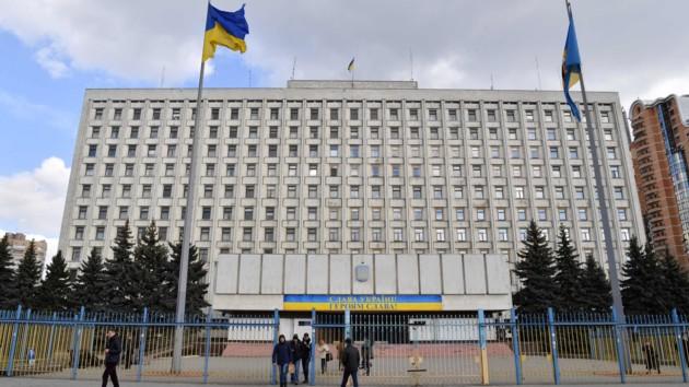 ЦИК зарегистрировала почти 100 новых народных депутатов