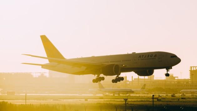 В Португалии Boeingчуть не рассыпался при посадке