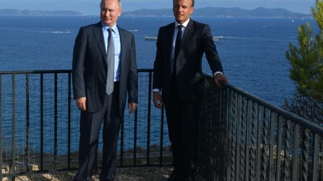 Путин - как невеста на выданье: эксперт о встрече президента России с Макроном