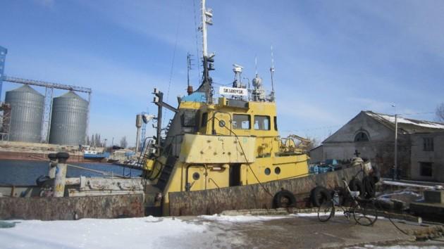 В Украине из-за долгов по зарплате продают морской катер