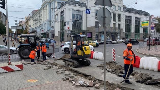Киевляне недовольны ремонтом дороги на Пушкинской: фото