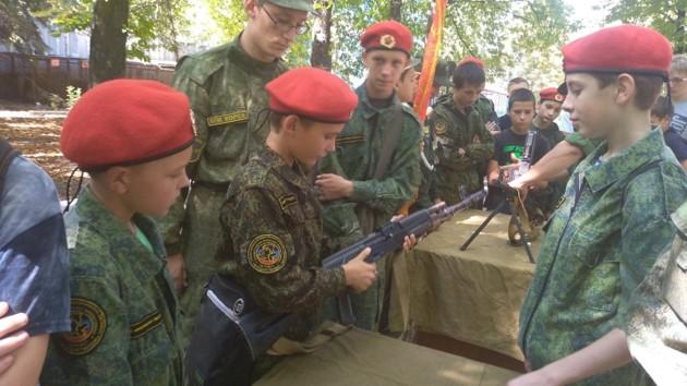 Вывозят на полигон и дают пострелять: как оккупанты вербуют в армию «Л/ДНР»