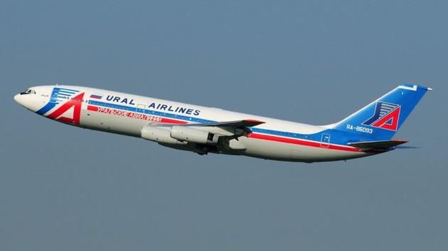 Второй за день российский самолет совершил экстренную посадку