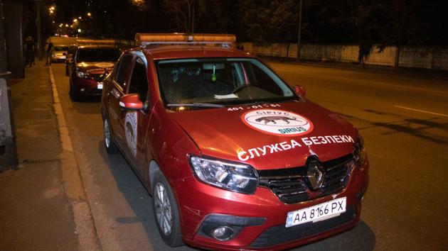 В Киеве пьяный «коп» угрожал прохожим ножом - СМИ