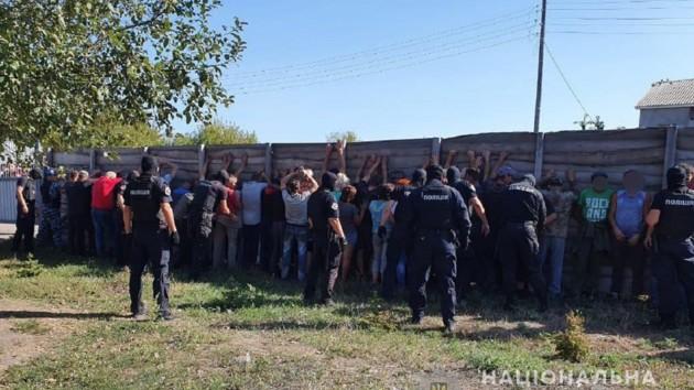 В Харьковской области на журналистов напали во время прямого эфира: появились фото и видео