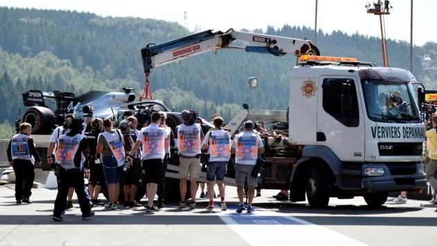 Чемпион Формулы-1 Льюис Хэмилтон попал в аварию в Бельгии: опубликовано видео