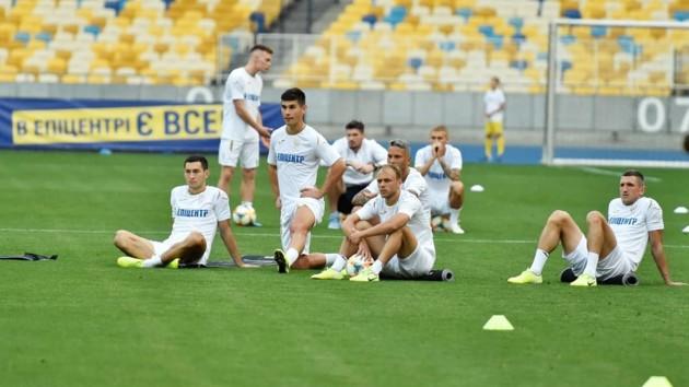 Зинченко с голым торсом и тысячи фанатов: как прошла открытая тренировка сборной Украины