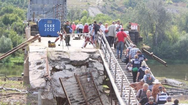 У Зеленского рассказали, когда откроют мост в Станице Луганской