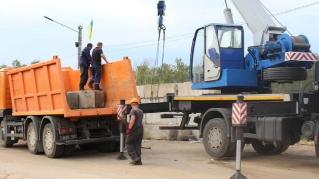 За ремонтом моста в Станице Луганской можно наблюдать онлайн