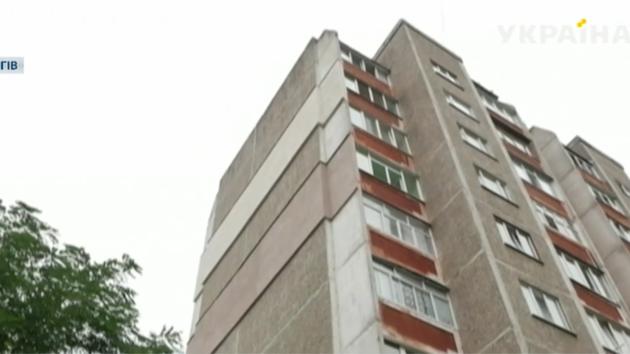 В Чернигове из окна девятого этажа выпал полуторагодовалый ребенок