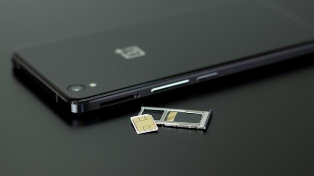 Мобильная связь под прицелом Рады: что будет с законом, по которому телефоны без IMEI будут заблокированы
