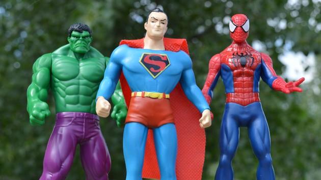 """Спецпроект """"Поклонники"""": Marvelпротив DC - как развивается противостояние комиксоманов в Украине"""