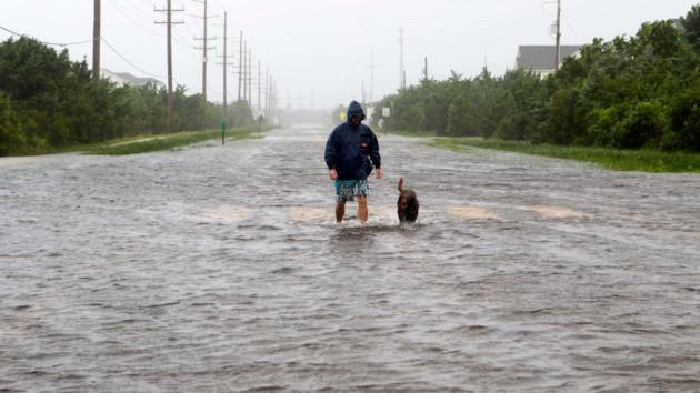 """Ураган Дориан """"сдулся"""" до минимального уровня: фото последствий стихии"""