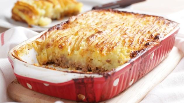 Картофельная запеканка с фаршем и сыром: рецепт дня