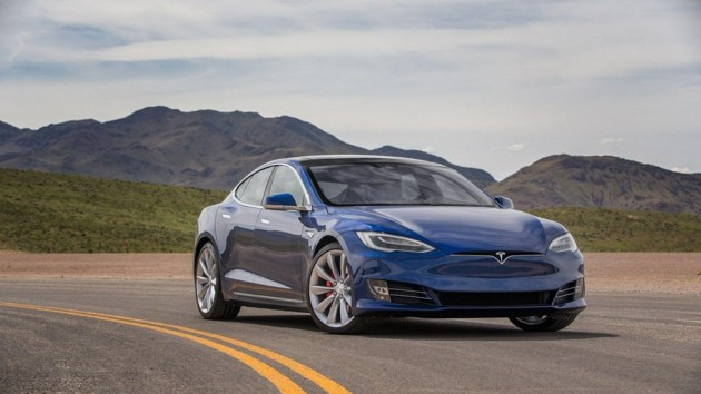 Tesla Илона Маска установила рекорд скорости