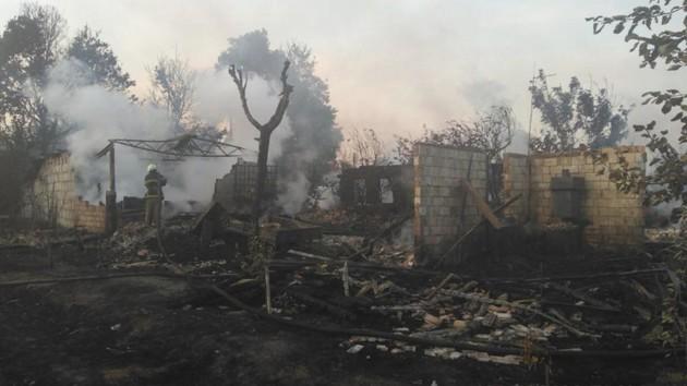 Под Киевом вместе с мусором мужчина едва не сжег село