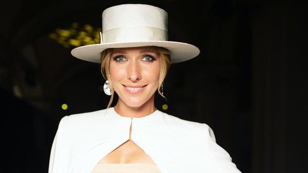Богиня шляпок: ТОП-7 экстравагантных образов Кати Осадчей
