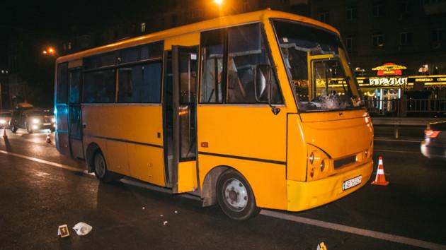 В Киеве маршрутка насмерть сбила мужчину